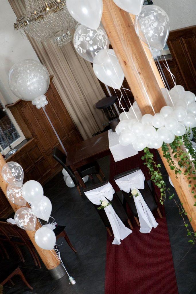 De Ballonnenkoning-Koetshuis-Rotterdam-ballonnen-ceremonie-wit
