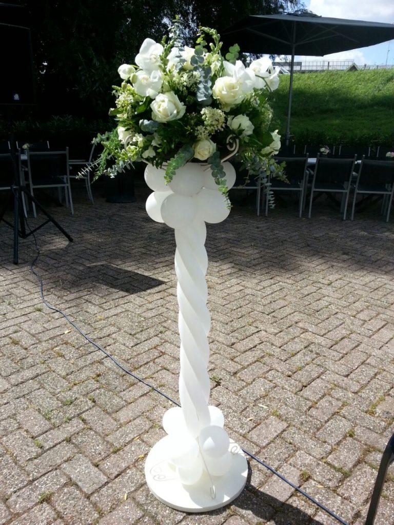 De Ballonnenkoning-Koetshuis-Rotterdam-ballonnen-bloemen pied de stalles wit