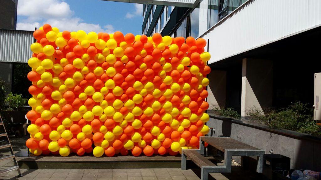 De Ballonnenkoning - ballonwand of ballonmuur - oranje geel