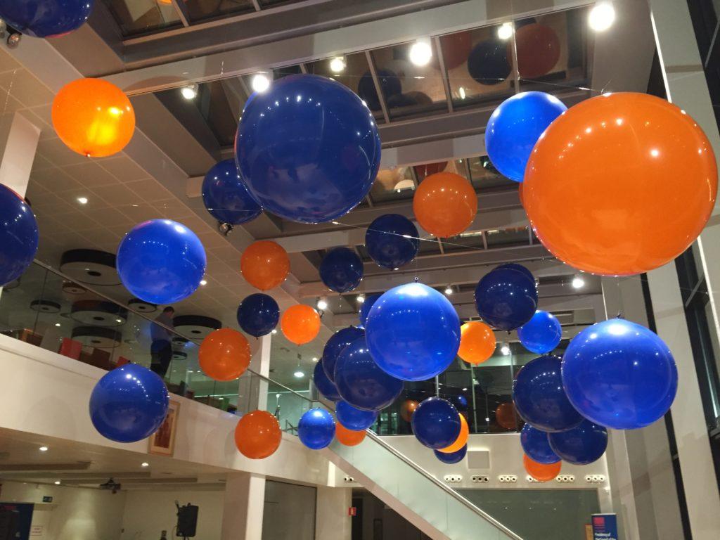 De ballonnenkoning - evenement decoratie - topballonnen - oranje blauw donker blauw