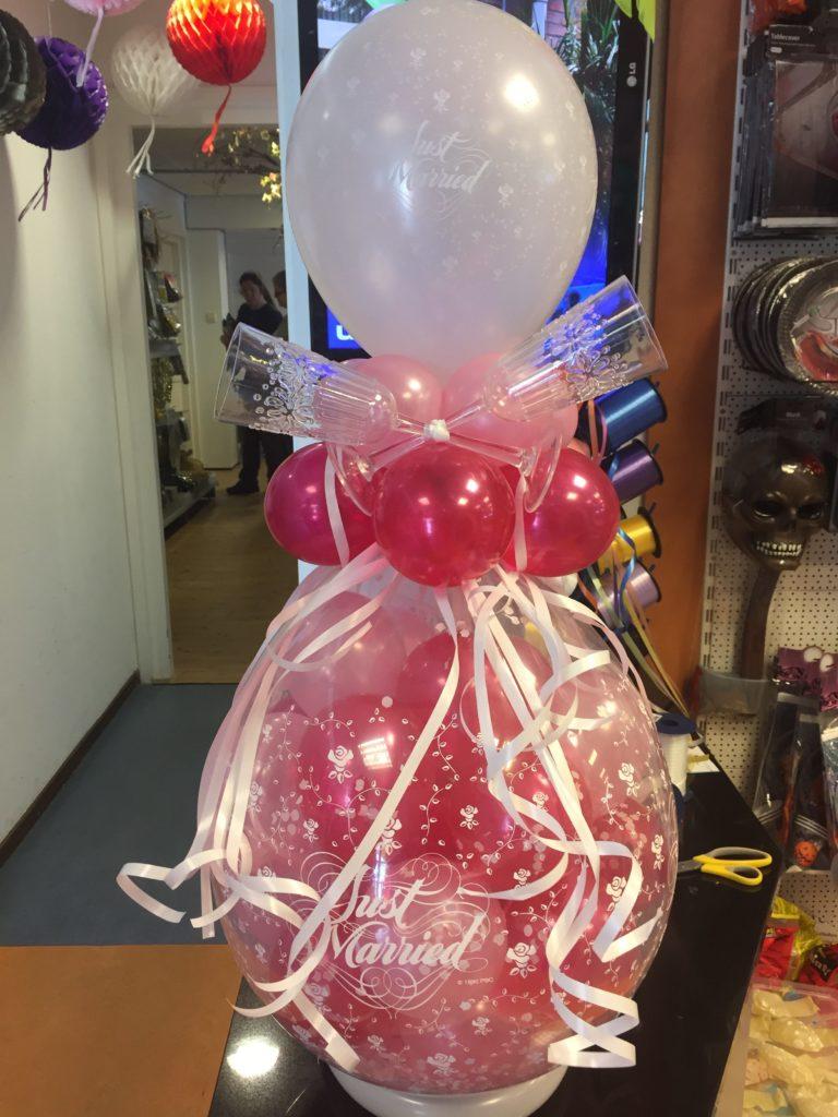 De Ballonnenkoning - cadeau ballon - just married - roze magenta wit