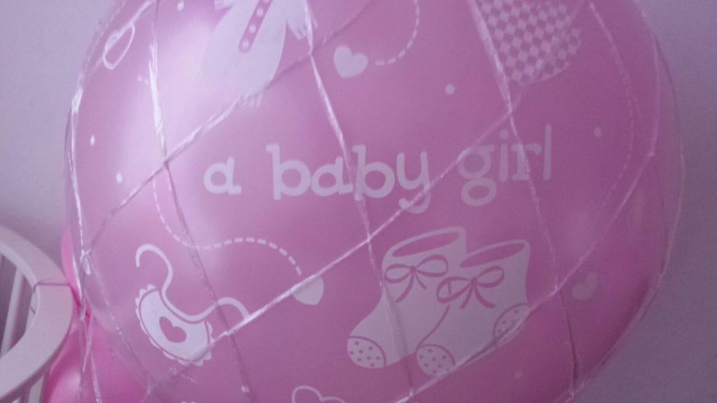 De Ballonnenkoning - a baby girl - roze