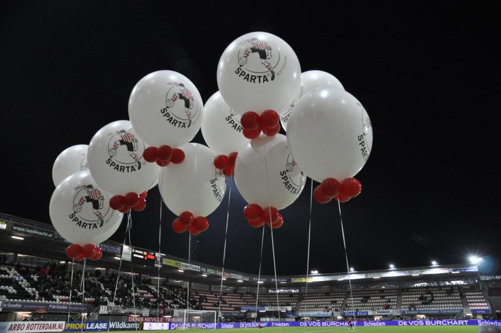 De ballonnenkoning - evenement decoratie - Sparta Rotterdam - Het Kasteel - bedrukte topballonnen - rood wit