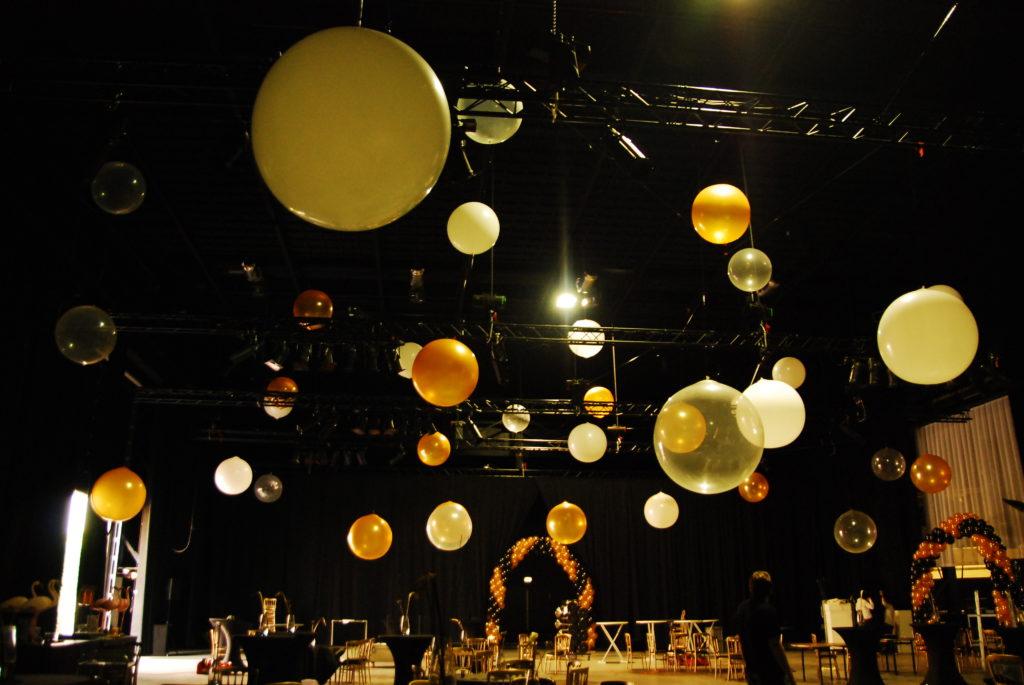 De ballonnenkoning - evenement decoratie - ballonbogen - topballonnen - goud zwart doorzichtig
