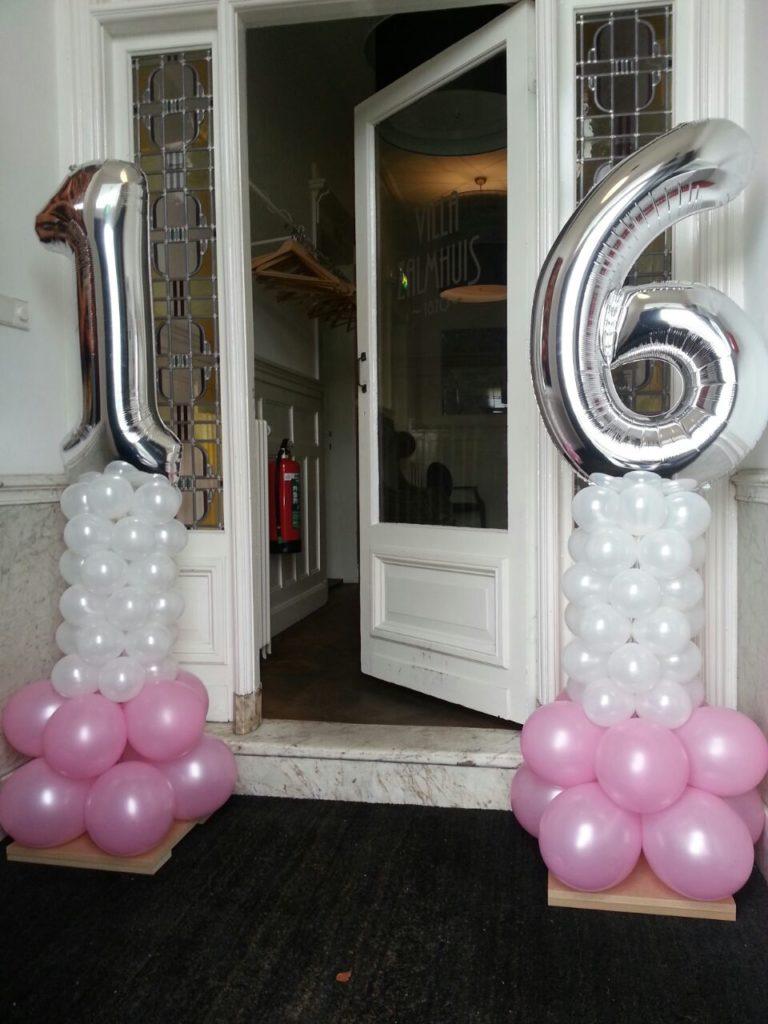 De Ballonnenkoning - ballon leeftijd 16 - ballonpilaartjes - roze wit zilver