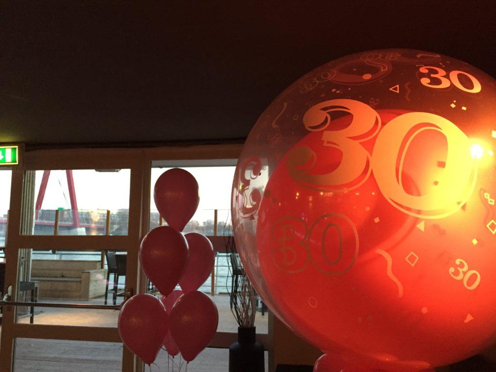 De Ballonnenkoning - ballon leeftijd 30 - roze