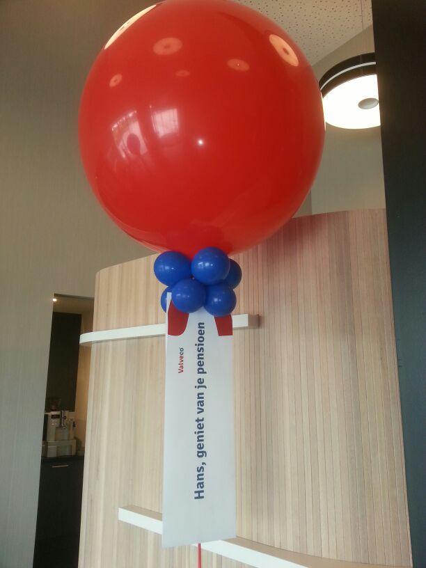 De ballonnenkoning - evenement decoratie - topballon - balon trosje - rood blauw
