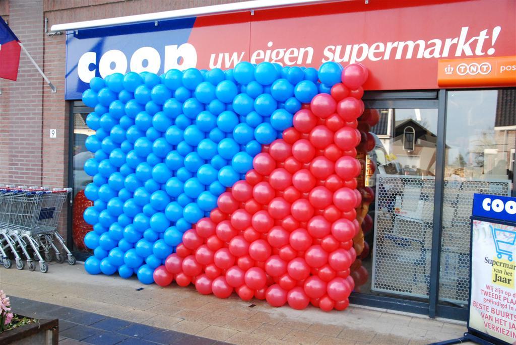 De Ballonnenkoning - ballonwand of ballonmuur - blauw rood