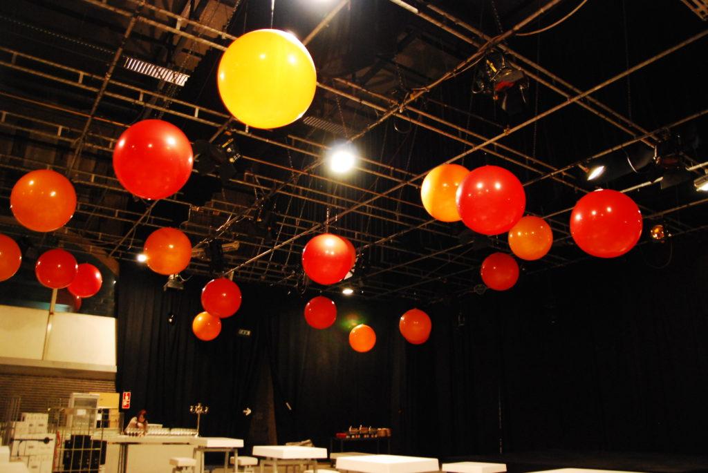 De ballonnenkoning - evenement decoratie - topballonnen - rood geel oranje