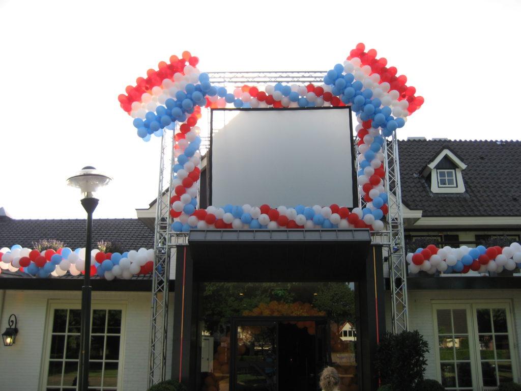 De Ballonnenkoning - ballon decoratie - ballonslinger - koningsdag - wit rood blauw