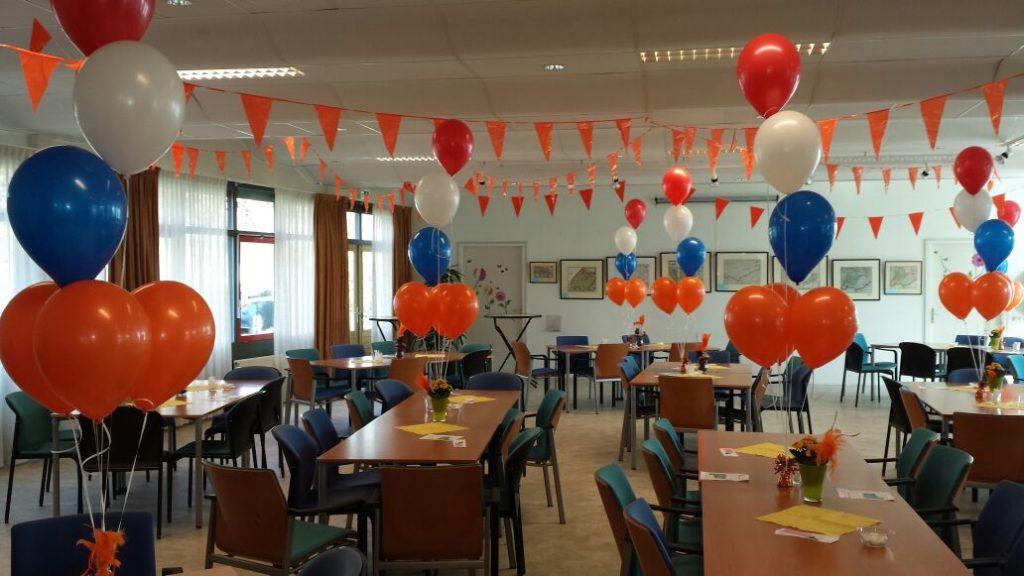De Ballonnenkoning - ballon decoratie - koningsdag - oranje rood wit blauw