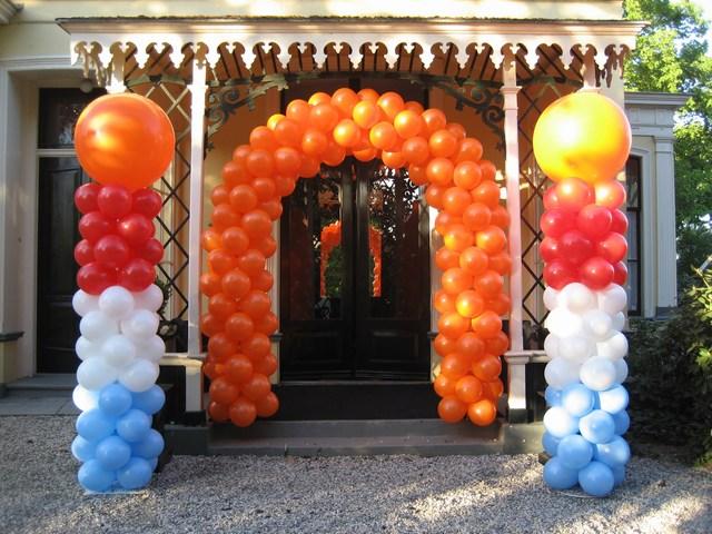 De Ballonnenkoning - ballon decoratie - ballonboog - ballon pilaar - koningsdag - oranje rood wit blauw