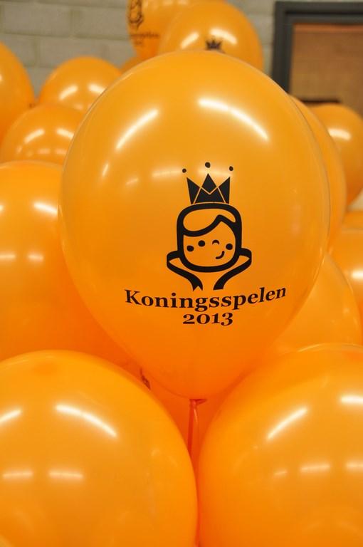 De Ballonnenkoning - ballon decoratie - koningsspelen - koningsdag - bedrukt - oranje
