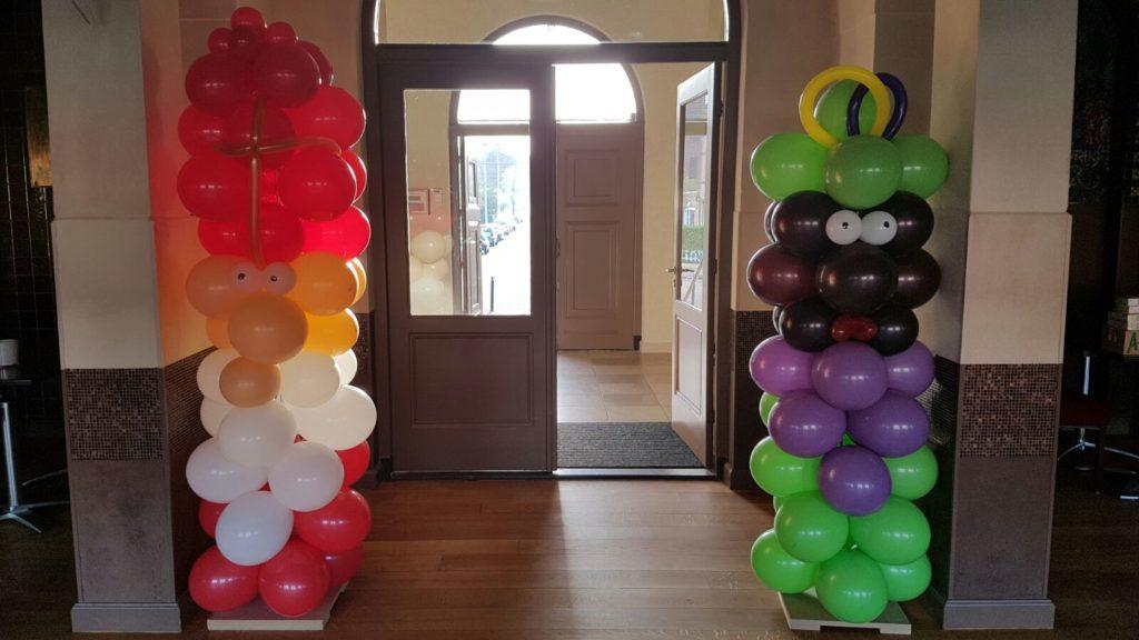 De Ballonnenkoning - ballon decoratie - sinterklaas viering - ballonnensinterklaas pilaar - zwartepiet pilaar - paars rood wit groen geel zwart
