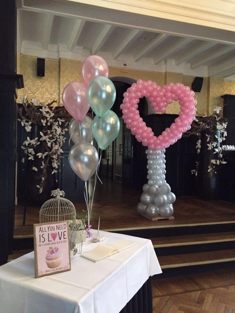De Ballonnenkoning-Hooge-Vuursche-trouwzaal-ballonhart-heliumdecoratie