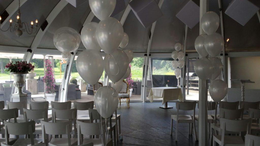 De Ballonnenkoning-Abel-ballonnen-trouwceremonie