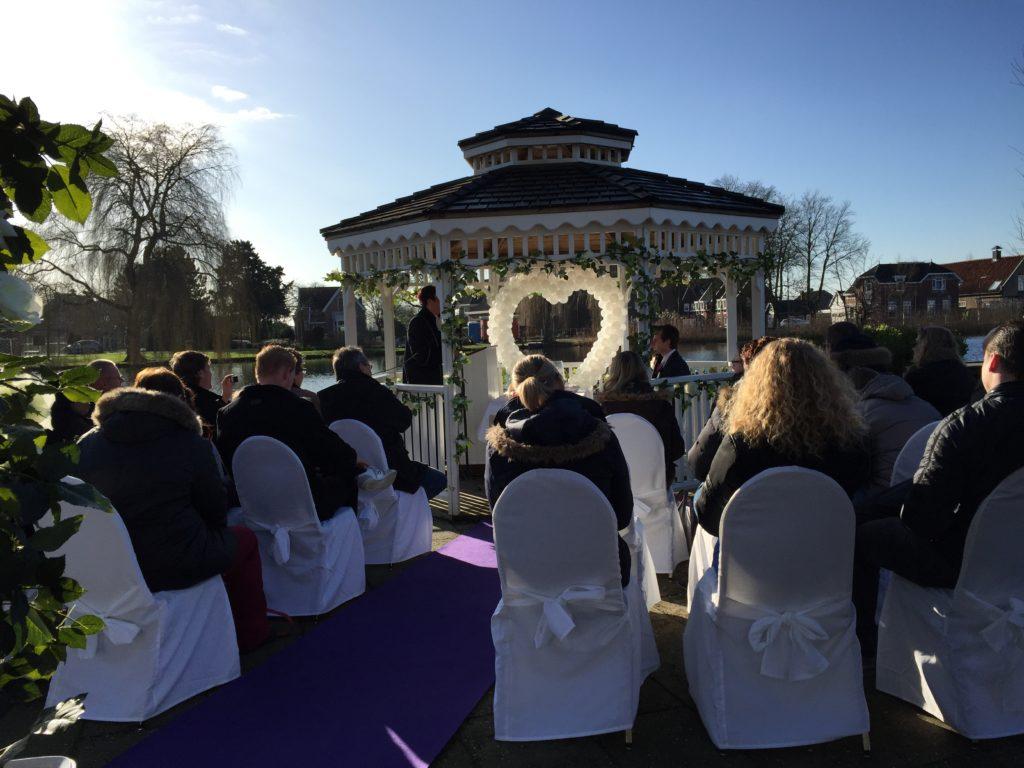 De Ballonnenkoning-Theetuin-Ridderkerk-ballonnen-bruidspaar-ceremonie