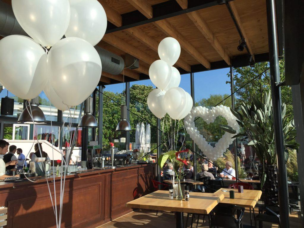 De Ballonnenkoning-de tuin rotterdam-ballonhart wit trouwzaal overzicht