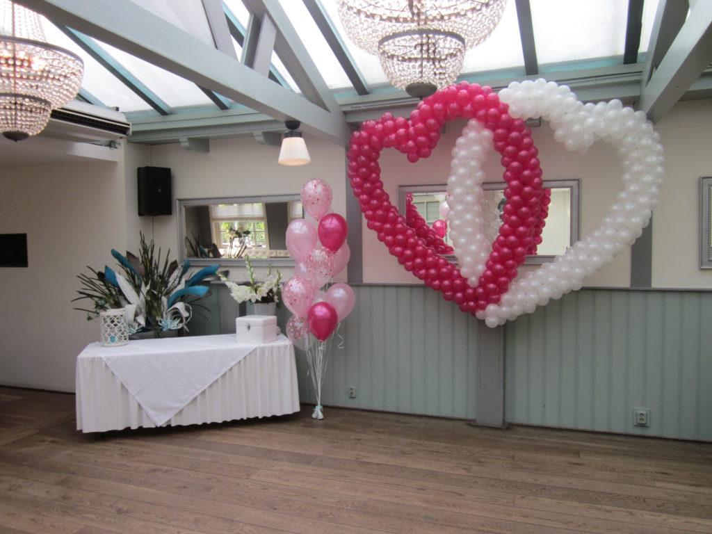 De Ballonnenkoning - Brasserij Delft - ballonnen harten in de zaal