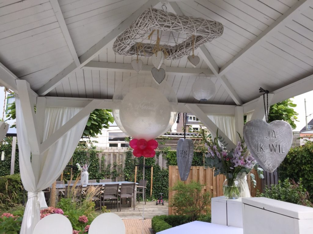 De Ballonnenkoning - Brasserij Delft - buiten trouwen prieel top ballonnen