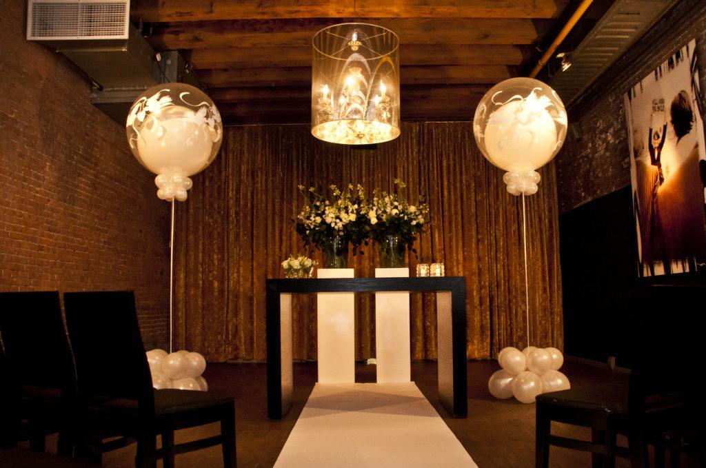 De Ballonnenkoning - hospitalityclub - decoratie trouwen ceremonie loper topballonnen