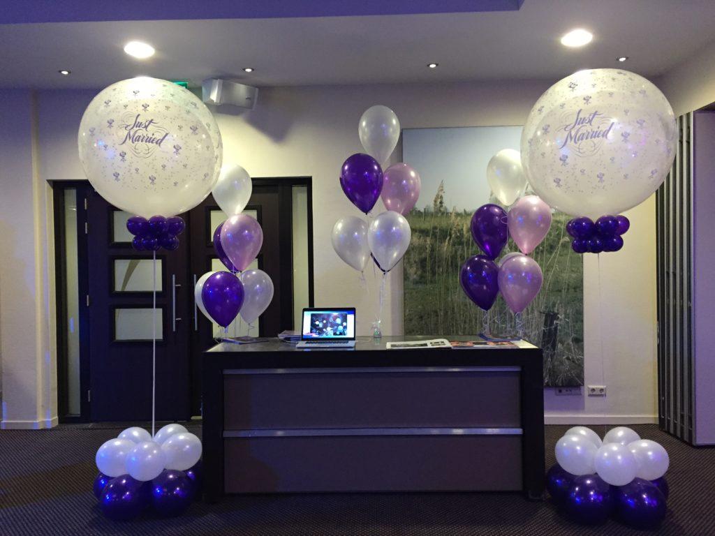 De Ballonnenkoning- Hotel Ara -topballonnen paars en lavendel just married