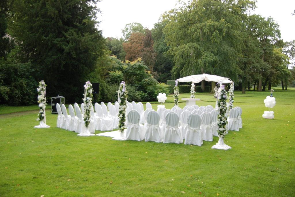De Ballonnenkoning - Huis ten Donck - Prieel decoratie in de tuin ceremonie