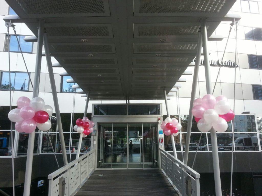 De Ballonnenkoning - Intell Rotterdam - Ballonnentrossen bij de entree
