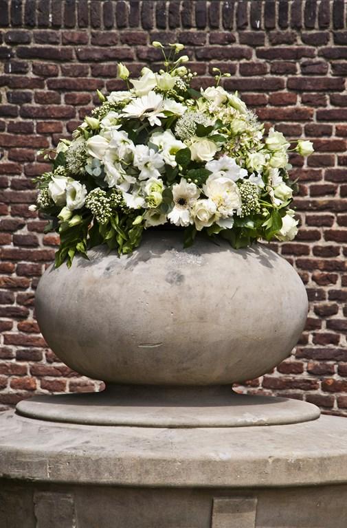 De Ballonnenkoning- Kasteel de Essenburgh- ballonnen en bloemen buiten trouwen bloemstukken