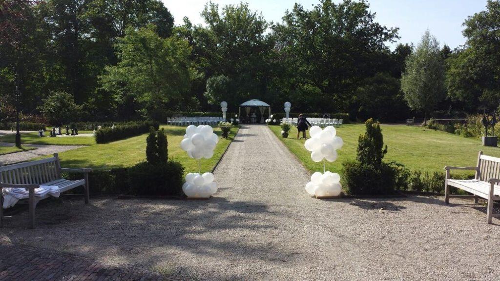 De Ballonnenkoning- Kasteel de Essenburgh- ballonpaaltjes buiten trouwen