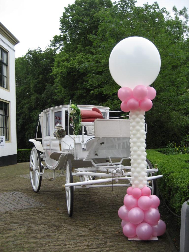 De Ballonnenkoning-Kasteel van Rhoon-ballondecoratie-ballonpilaar roze en wit
