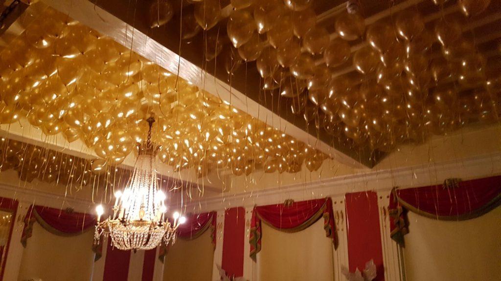 De Ballonnenkoning-Kasteel van Rhoon-ballondecoratie-ballonnenplafond goud 400