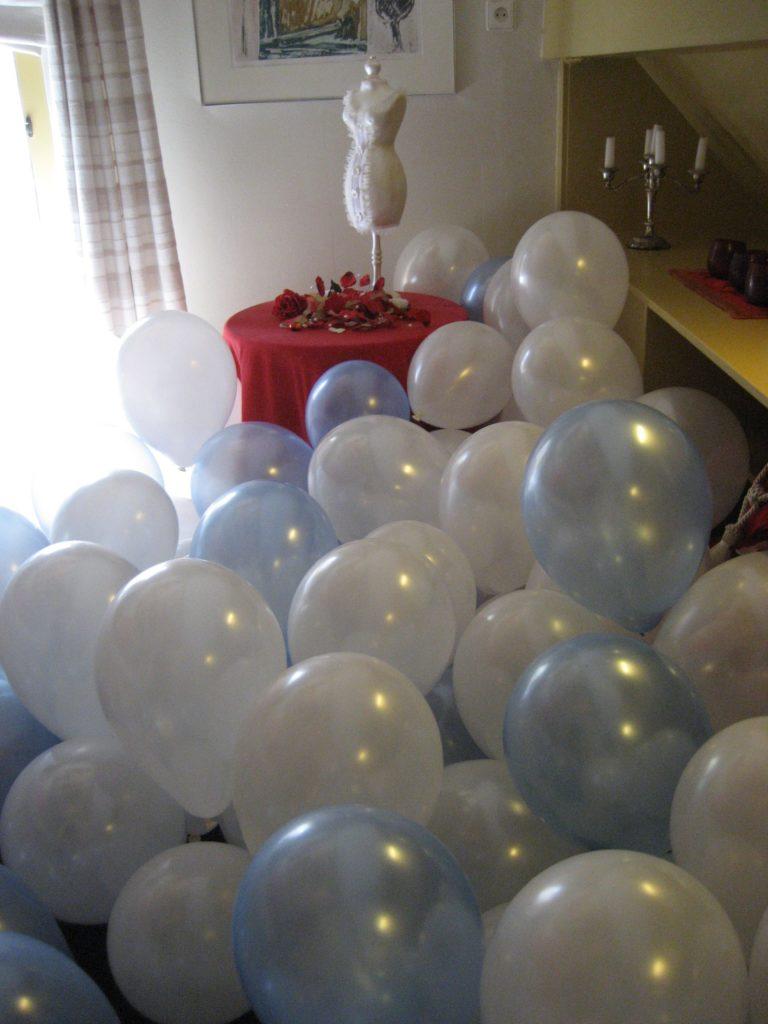 De Ballonnenkoning-Kasteel van Rhoon-ballondecoratie-ballonnen in trouwhuisje
