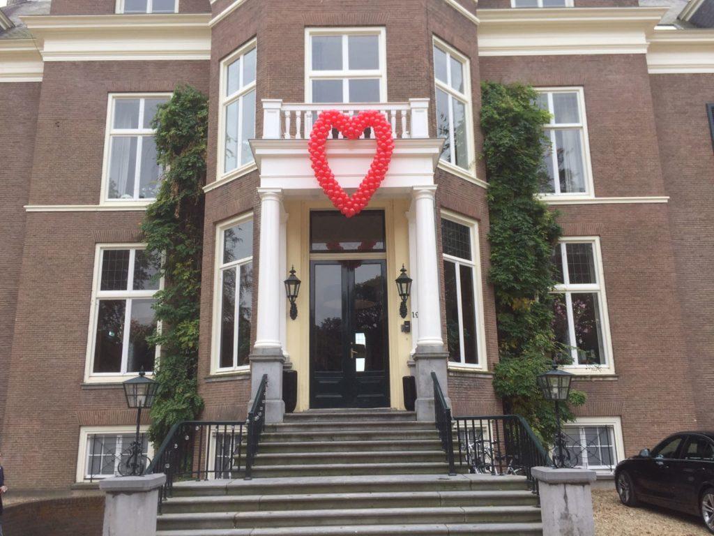 De Ballonnenkoning - Landgoed Rhederoord - blallonhart rood entree