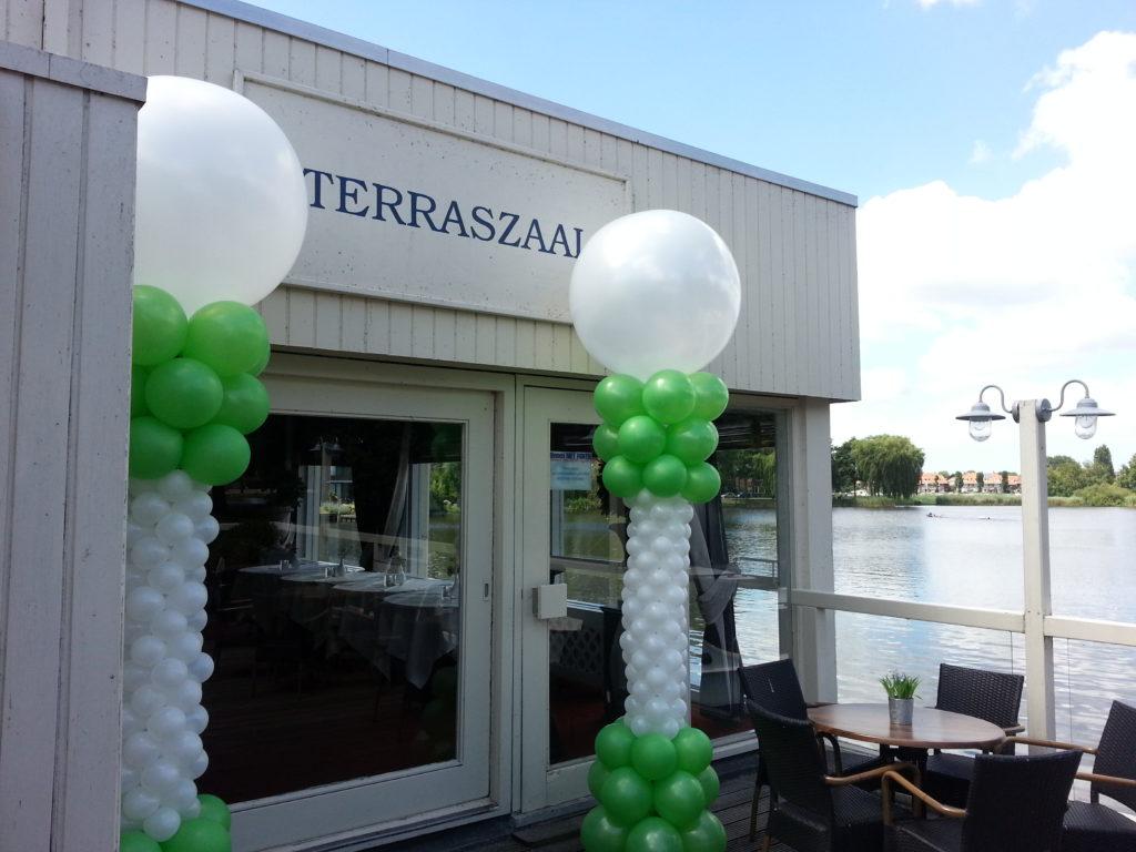 De Ballonnenkoning - Lommerijk - Ballonpilaren groene en wit