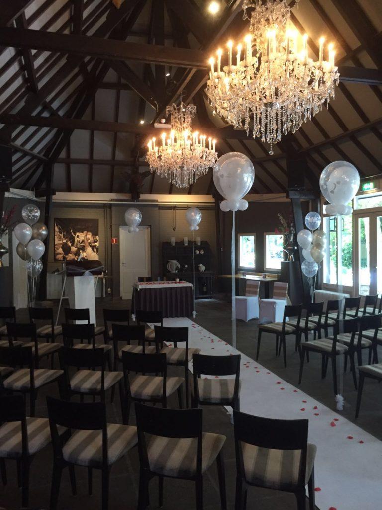 De Ballonnenkoning - Schaapskooi - Ballonnen ceremonie white loper