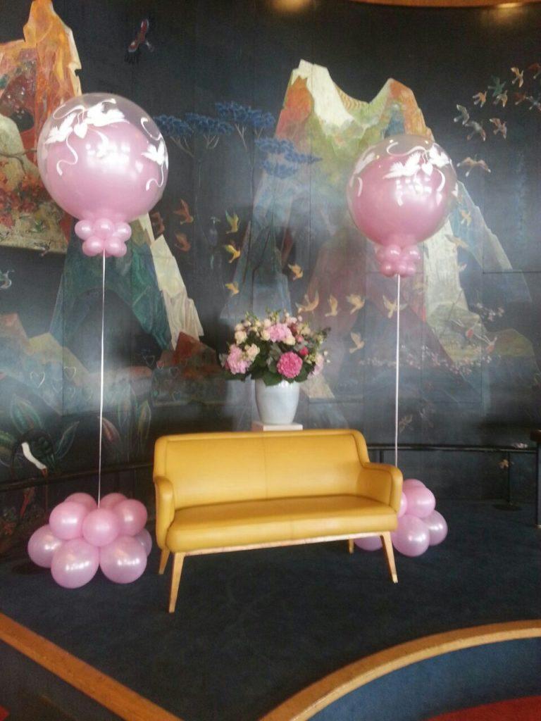 De Ballonnenkoning - SS Rotterdam - Ballonnen Grand Ballroom Trouwceremonie roze en wit