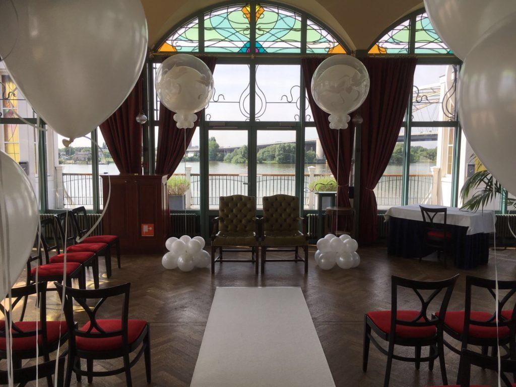 De Ballonnenkoning-Zalmhuis-diner-grand-salle-ballonnen-helium-ceremonie