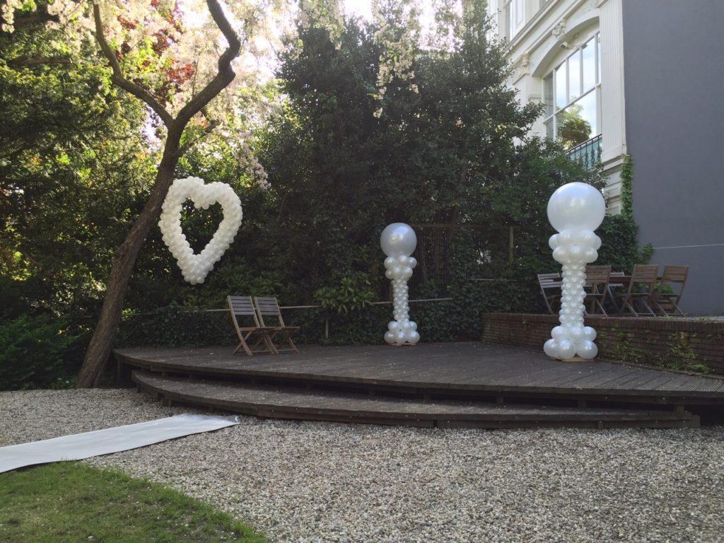 De Ballonnenkoning - Zweedse Kerk - overzicht buiten trouwen