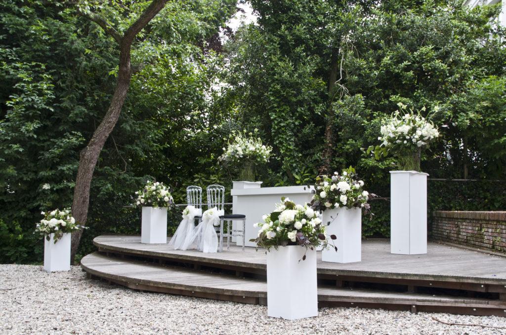 De Ballonnenkoning - Zweedse Kerk - trouwen opstelling trouwen bloemstukken